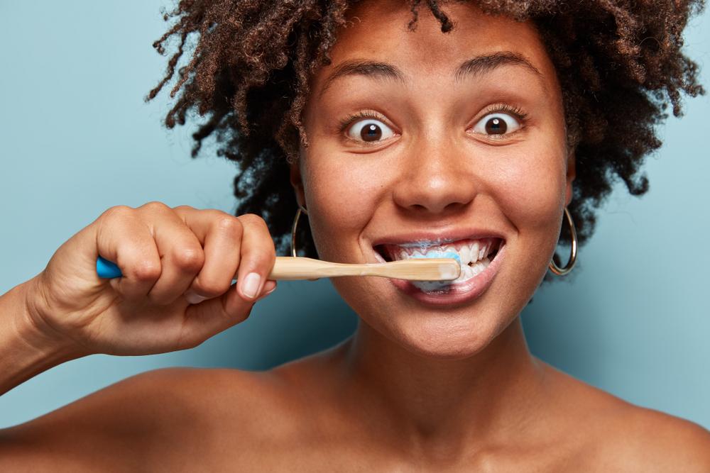 9 dicas para uma rotina saudável de higiene bucal