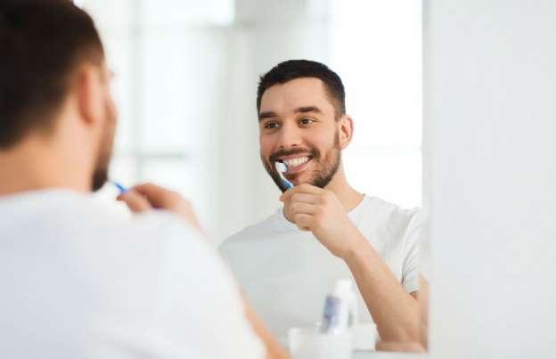 com cuidar - Dentes sensíveis: tudo sobre sensibilidade dos dentes